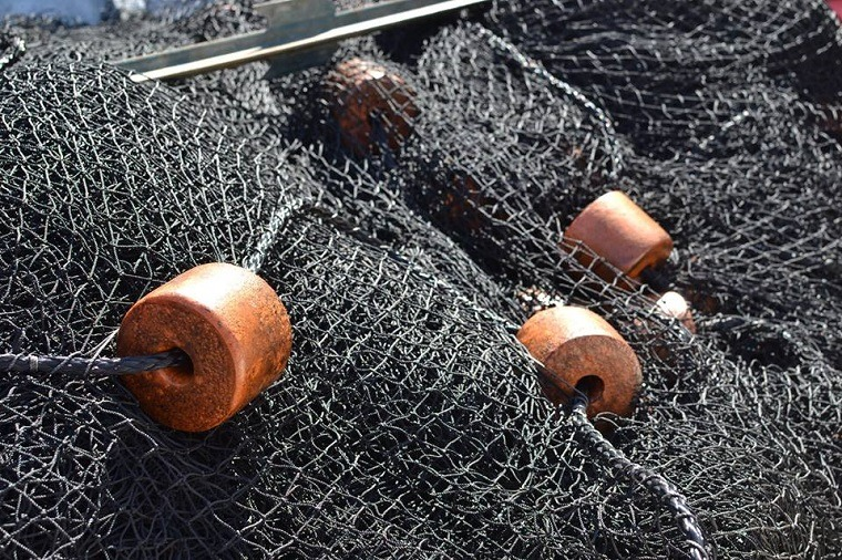 Duluth Nets offers a wide selection of hand-crafted fishing nets, including gill nets, trap nets, and seines. We can create custom netting for all your bait and fishing needs!